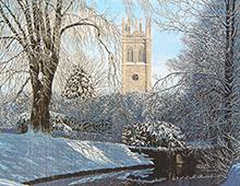 Kort med maleri av et slott i vinterlandskap med en elv og trær foran. Bilde.