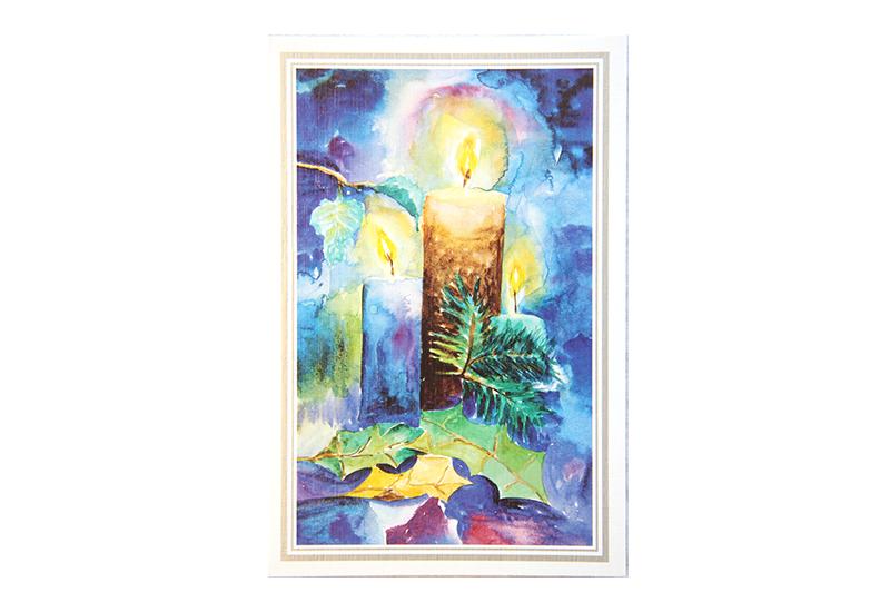 Kort med akvarell av tre brennende starinlys i juledekorasjon. Bilde.