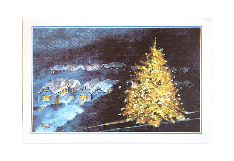 Kort med malt motiv av et lysende juletre ute i sneen. Noen hus skimtes bak. Bilde.