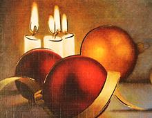 Kort med motiv av julekuler og staerinlys. Gullramme. Bilde.