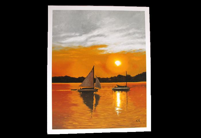 Reproduksjon med motiv av seilbåter i solnedgang. Bilde.