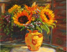 Reproduksjon med motiv av solsikker i gul vase på bord med hvit duk. Bilde.