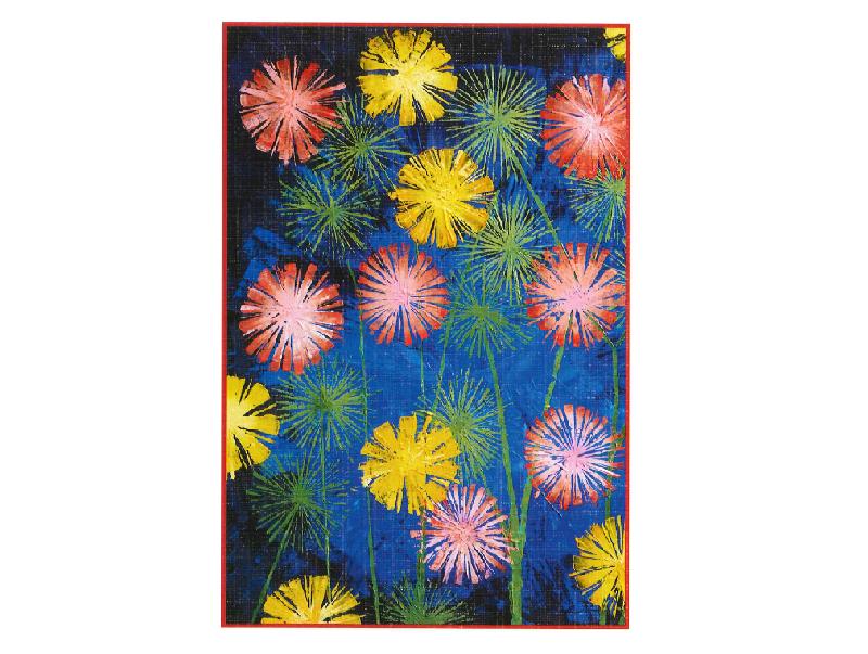 Fargerike blomster i gult, rødt, rosa, og grønt på blå bakgrunn med rød ramme.