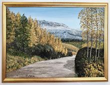 Originalmaleri av munnmaler Sigrid Slora. Høstmotiv med trær, fjell og en liten vei. Bilde.