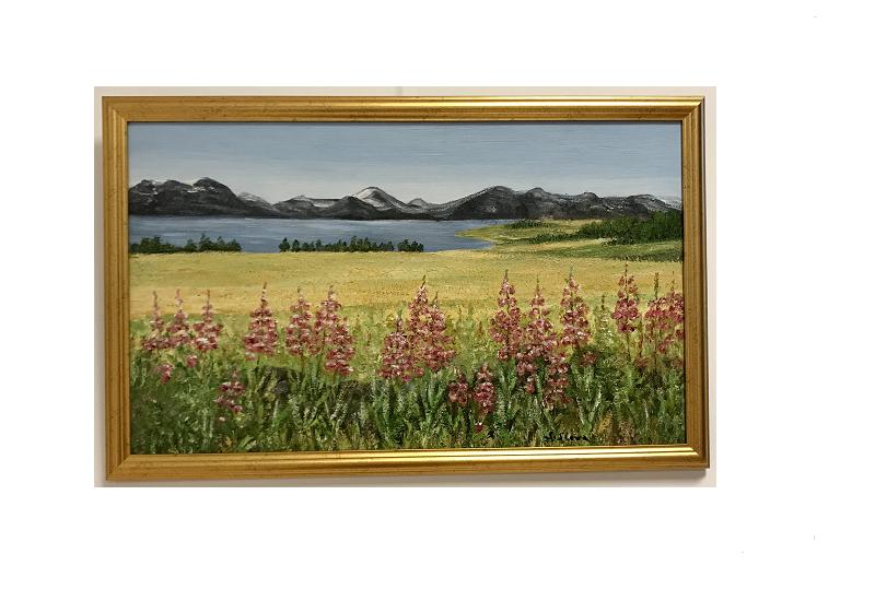 Originalmaleri av munnmaler Sigrid Slora. Naturmotiv av blomster, åker, vann og fjell. Bilde.