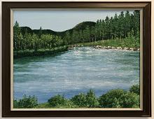Originalmaleri av munnmaler Sigrid Slora. Maleri med motiv av elv med natur rundt. Bilde.