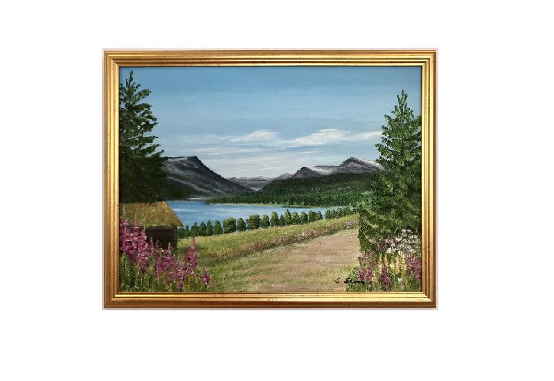 Originalmaleri av munnmaler Sigrid Slora. Naturmotiv med rosa blomster, et lite vann, trær og fjell. Bilde.