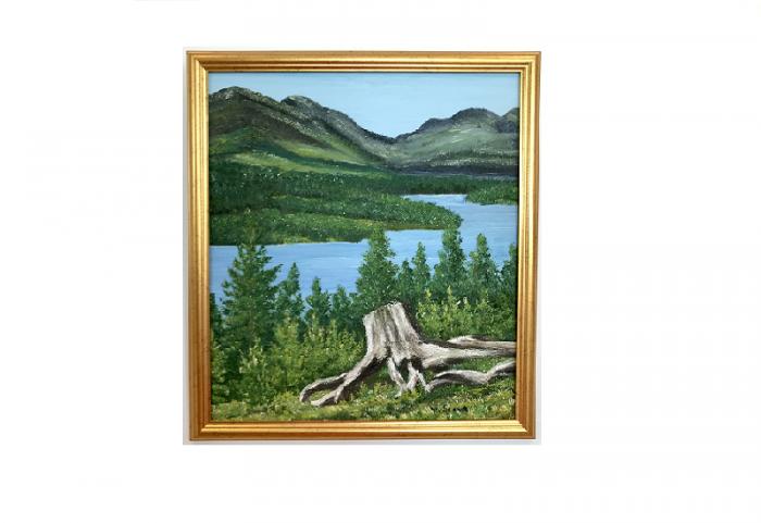 Originalmaleri av munnmaler Sigrid Slora. Naturmotiv med elv og en stubbe. Bilde.